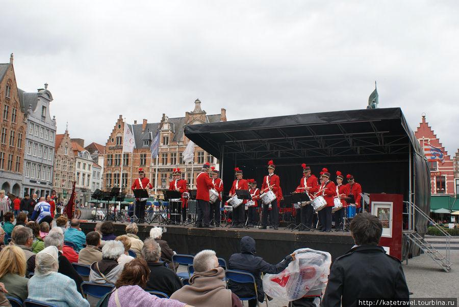 Выступление военного оркестра