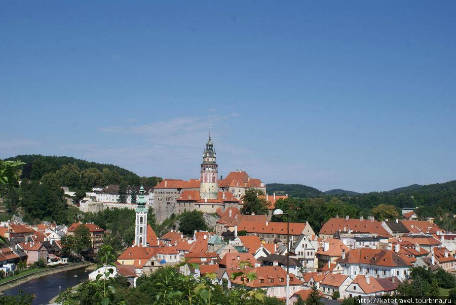 Чешский Крумлов: панорама. В центре — чешско-крумловский замок