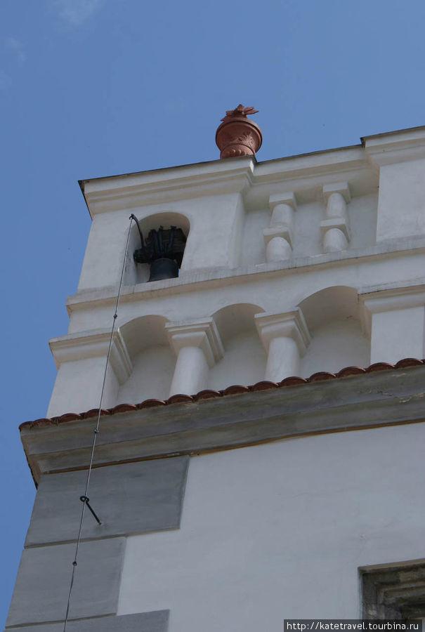 Звоночек,  с помощью которого в прошлом созывали служащих Ратуши на заседание (1520). Площадь Согласия, дом №1, Ратуша