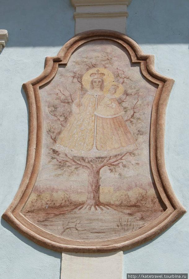 Настенное изображение Девы Марии Сватонёвицкой. Улица Панска, дом №22