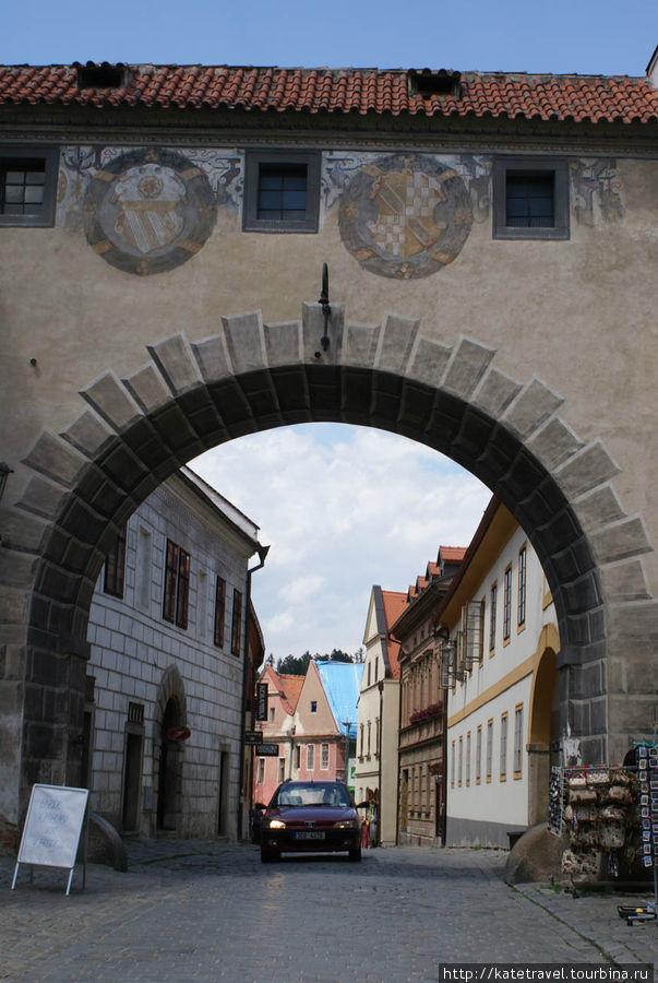 Проходная арка на улице Л