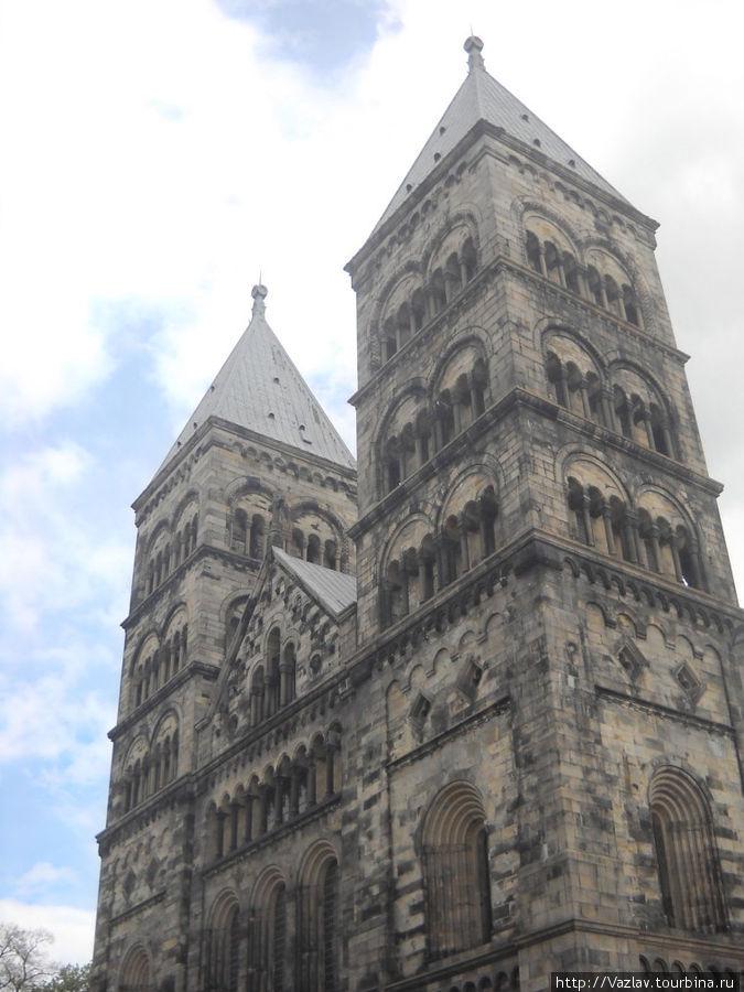Башни собора