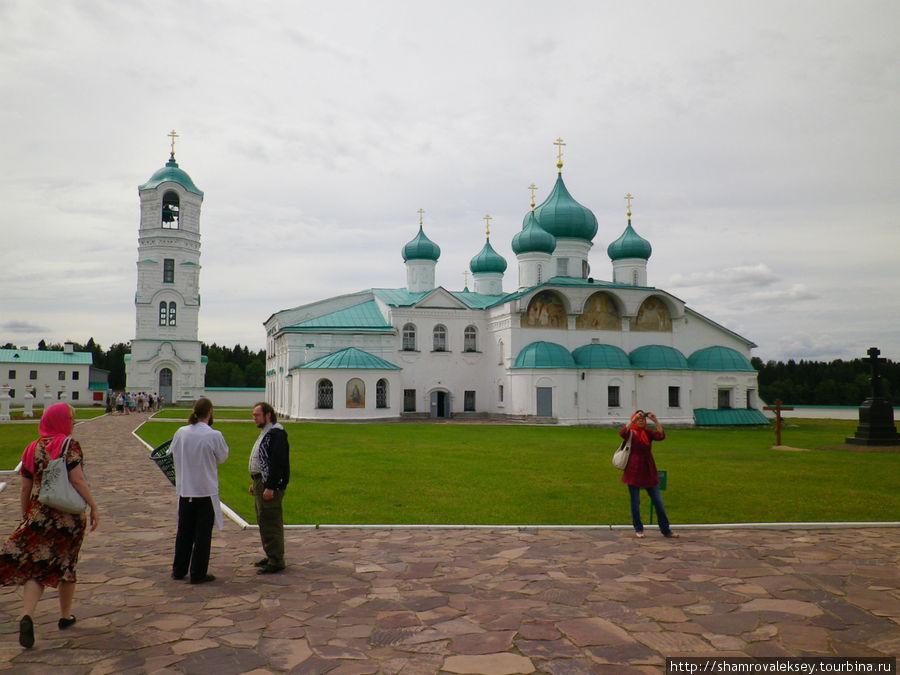 Преображенский собор с приделом во имя Преподобного Александра Свирского