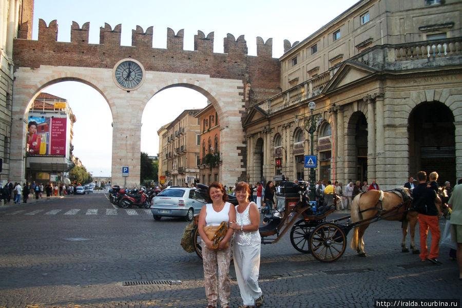 Знакомство с городом начинается с Пьяцца Бра