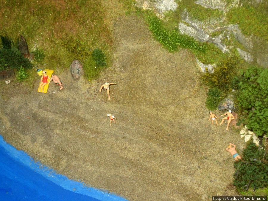 Это пляж на моем родном острове Русский