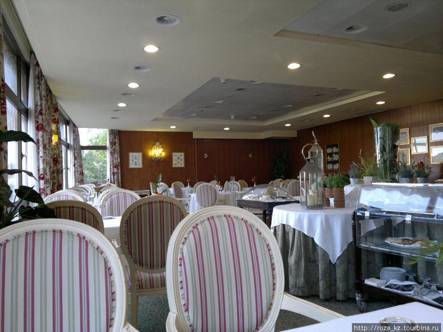 ресторан во время ужина