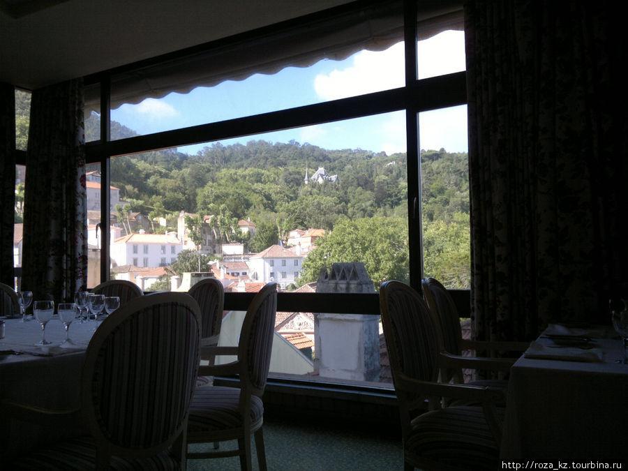 вид из окна ресторана, думаю такой же вид из номеров