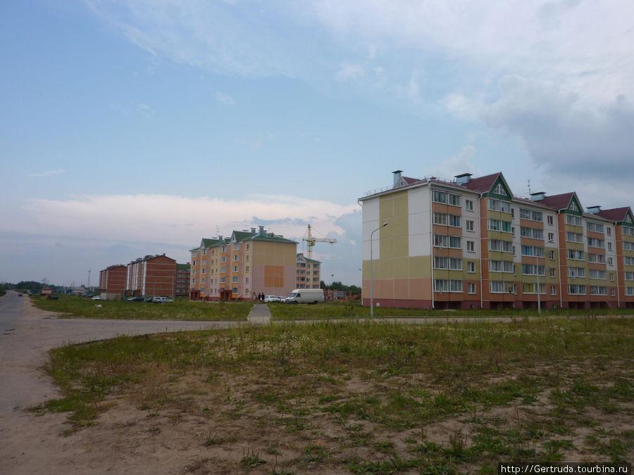 Новый жилой микрорайон по улице Комсомольской, рядом с больницей.