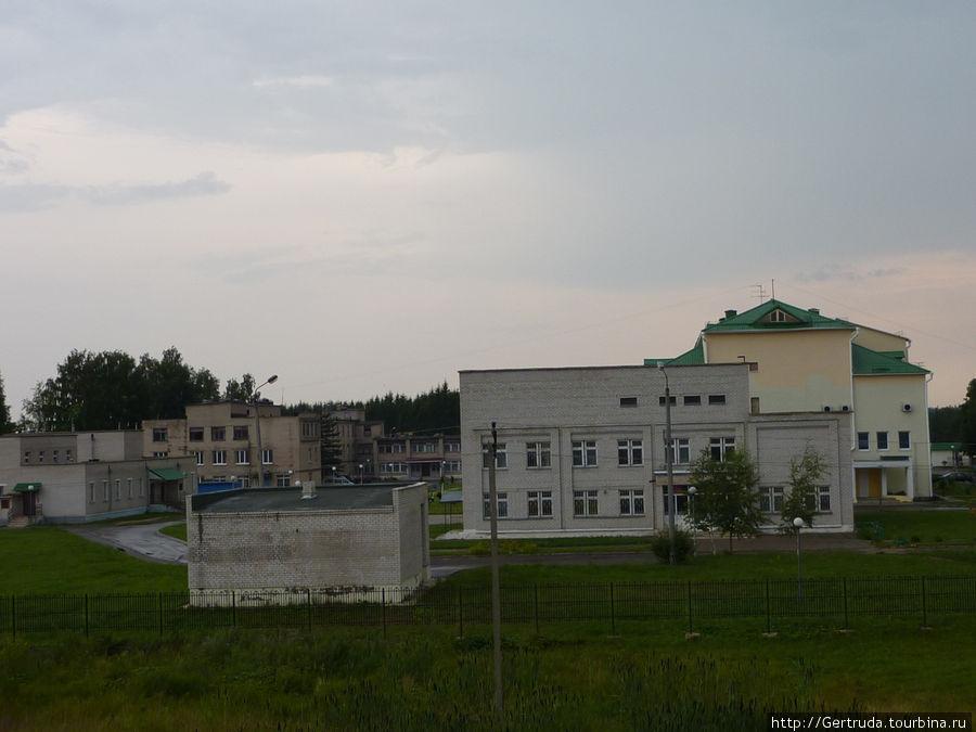 Вид на больничный городок  с 4 этажа жилого дома.