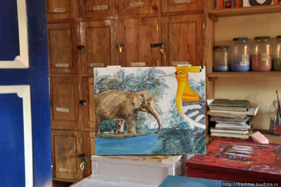 На картинах мастеров из Косгоды — часть окружающего их мира: животные, птицы, растения...