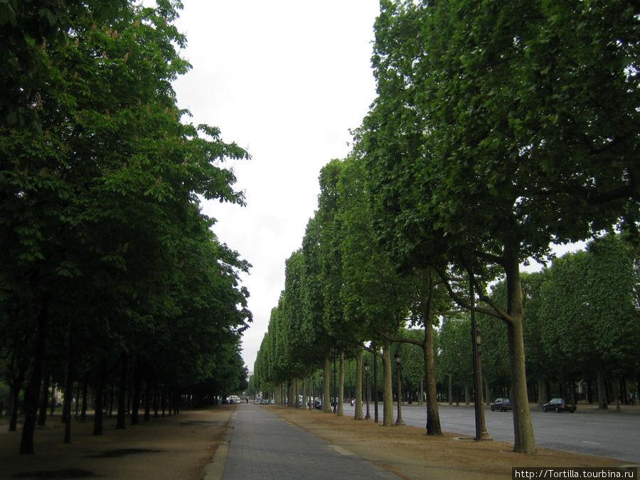 Париж. Елсейские поля