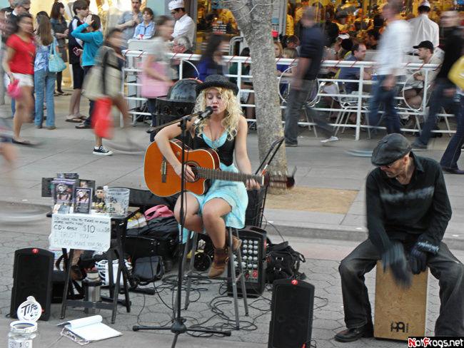 Уличные музыканты на Променаде