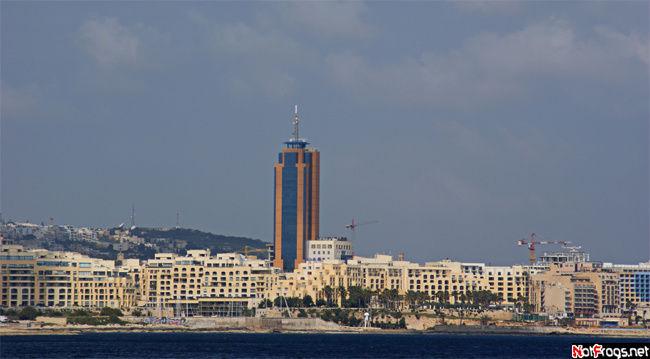 Самое высокое здание на Мальте, город Сент-Джулиан