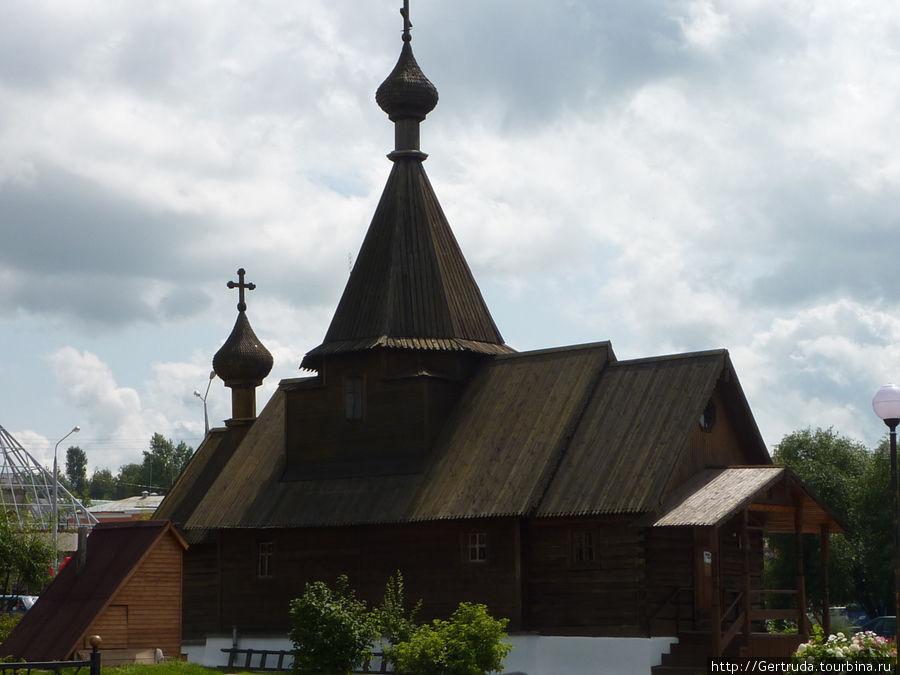 Деревянная церковь Св. Александра Невского.
