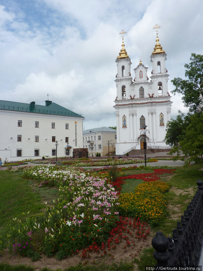 Восстановленная Воскресенская церковь на ул Суворова.