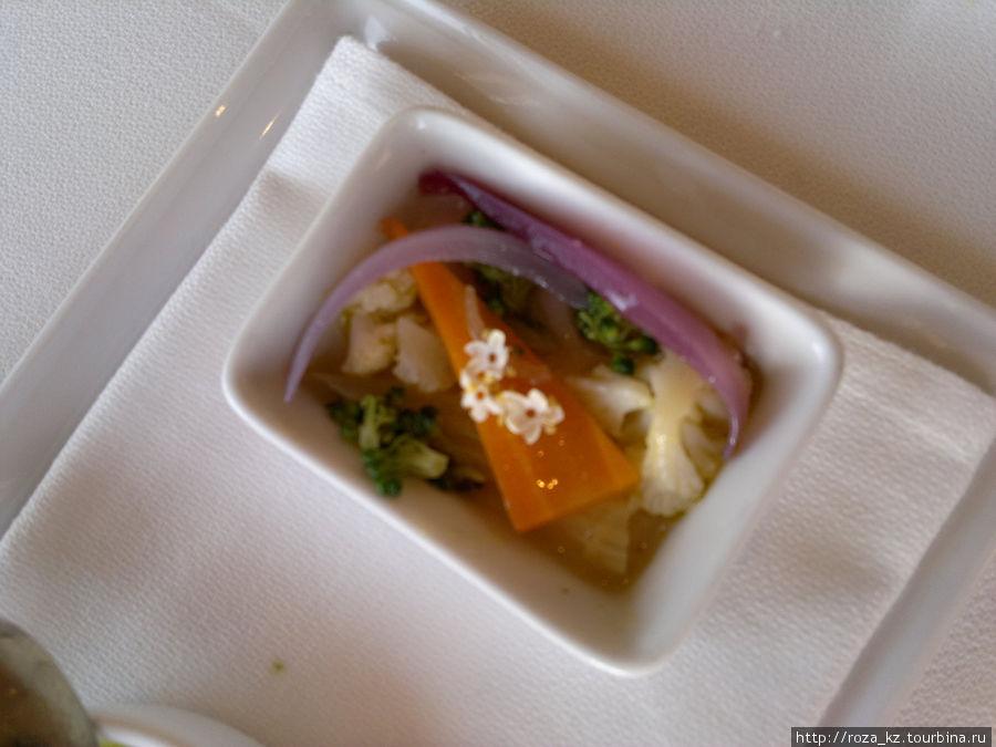 от один из трех шедевров шеф-повара, подаваемых перед основным блюдом