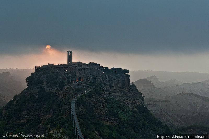 Мертвый город хоронит свои голоса... Баньореджо, Италия