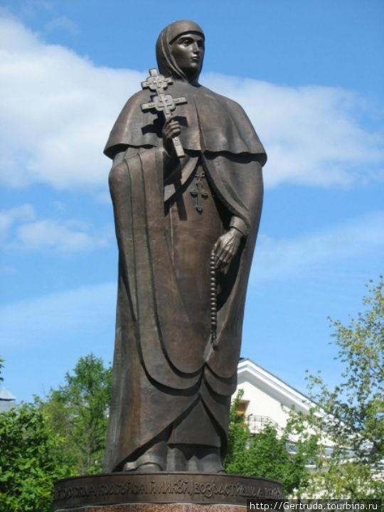 Памятник Ефросинье Полоцк