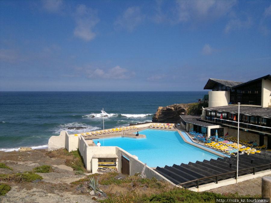 общественный платный бассейн, который находится не далеко от отеля