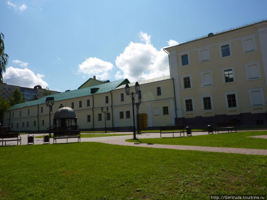 Здания и двор Коллегиума — ныне  часть Полоцкого Государственного университета