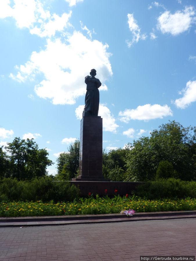 Высокий монумент Франциску Скорине