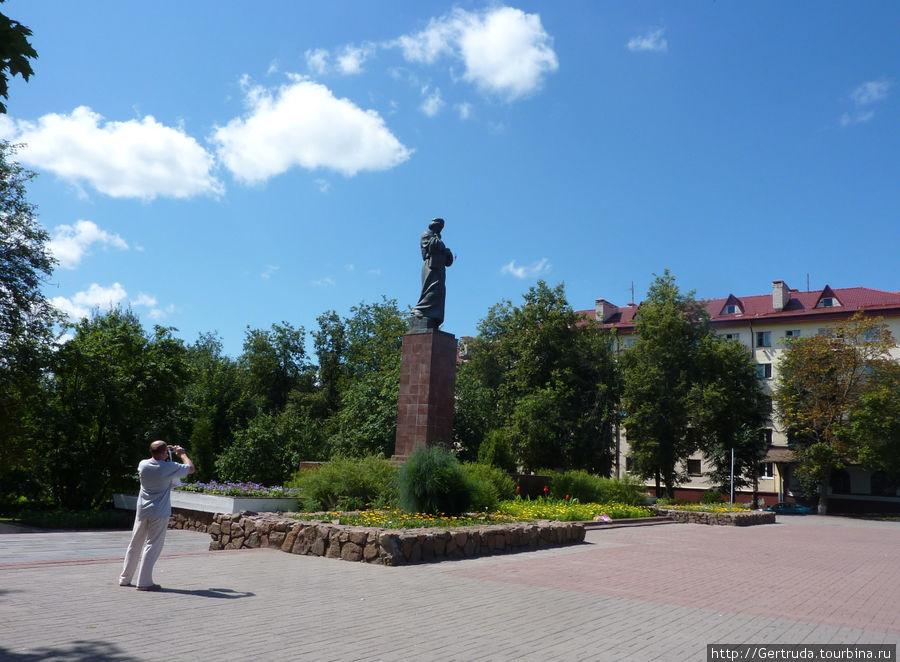 Общий вид памятника Скорине