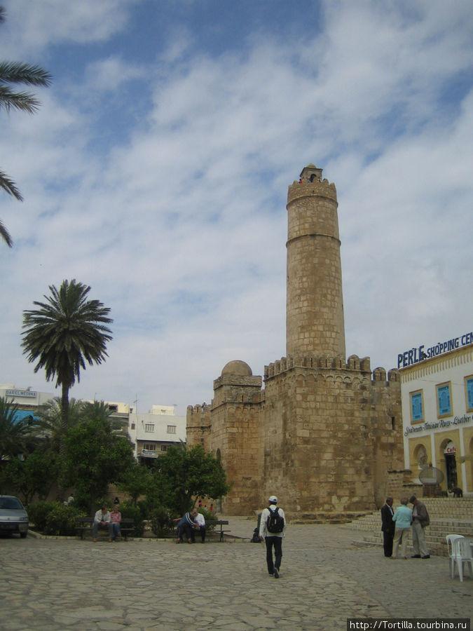 Тунис. Дворец — крепость в Медине Суса