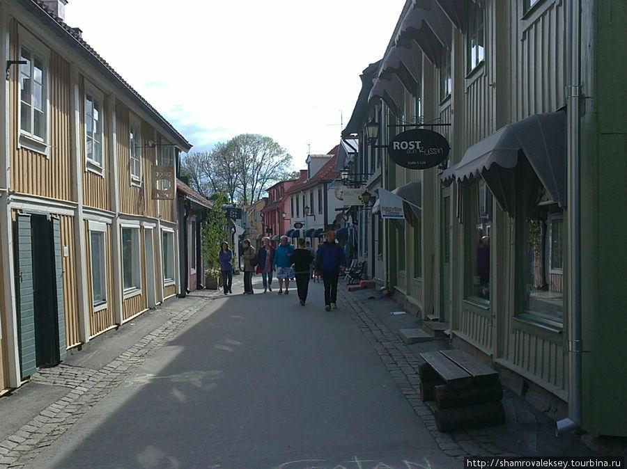 Улица Stora gatan объединяет все пространство старинного города