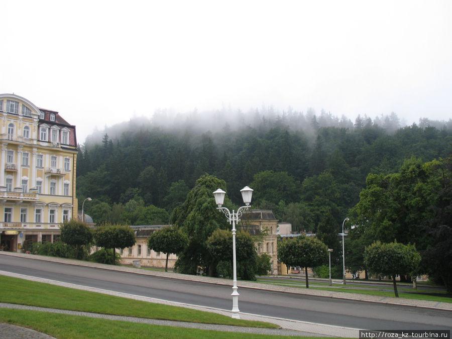 туман над зданием