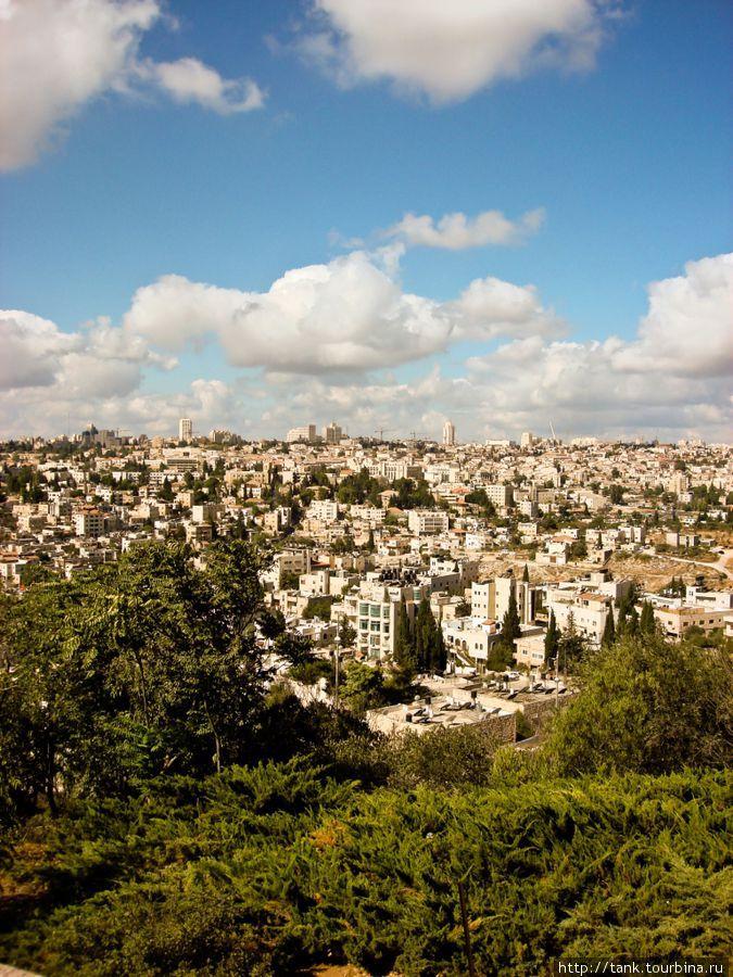 Вид на Иерусалим со смотровой площадки у Университета