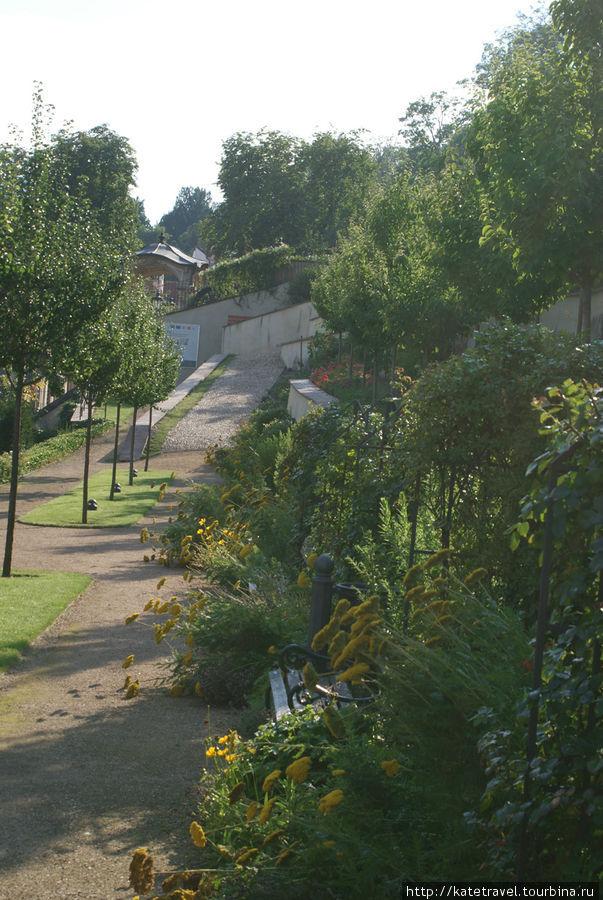 Большой Фюрстенбергский сад
