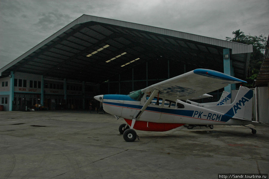 Ангар AMA | Аэропорт Сентани, Папуа