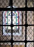 Тьма и ствет, окна и решетки. Чисто стамбульские ощущения.