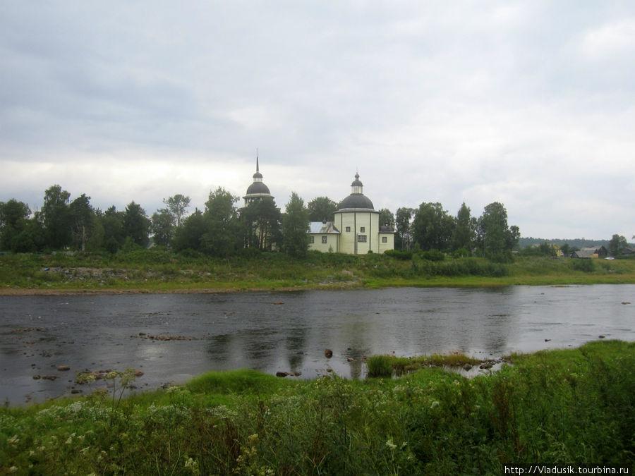 Воскресенская церковь в К