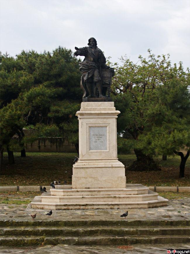 Памятник Паоло Флориани