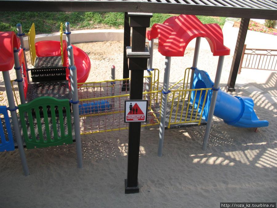 детская площадка в тенечке