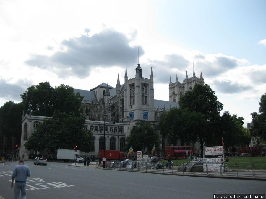 Лондон. Вестминстерское а