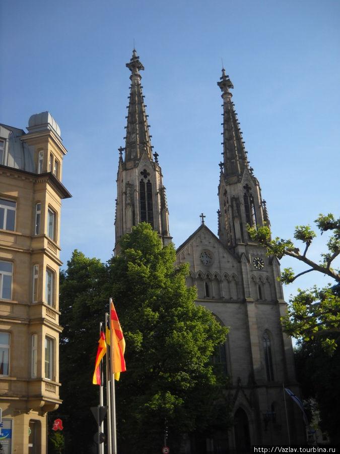 Красочный вид на церковь