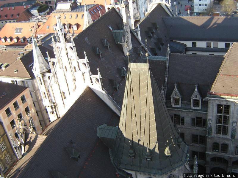 Вид на Старую Ратуши с колокольни