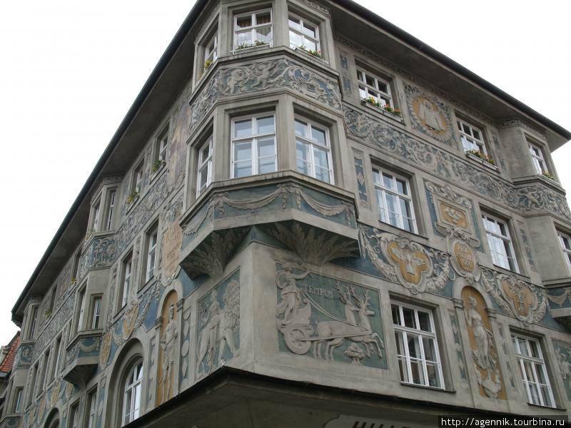 Дом на Мариенплац — один из уцелевших и отреставрированных после войны