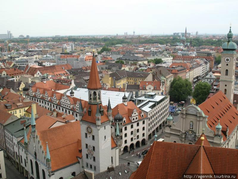 Вид с башни собора св. Петра