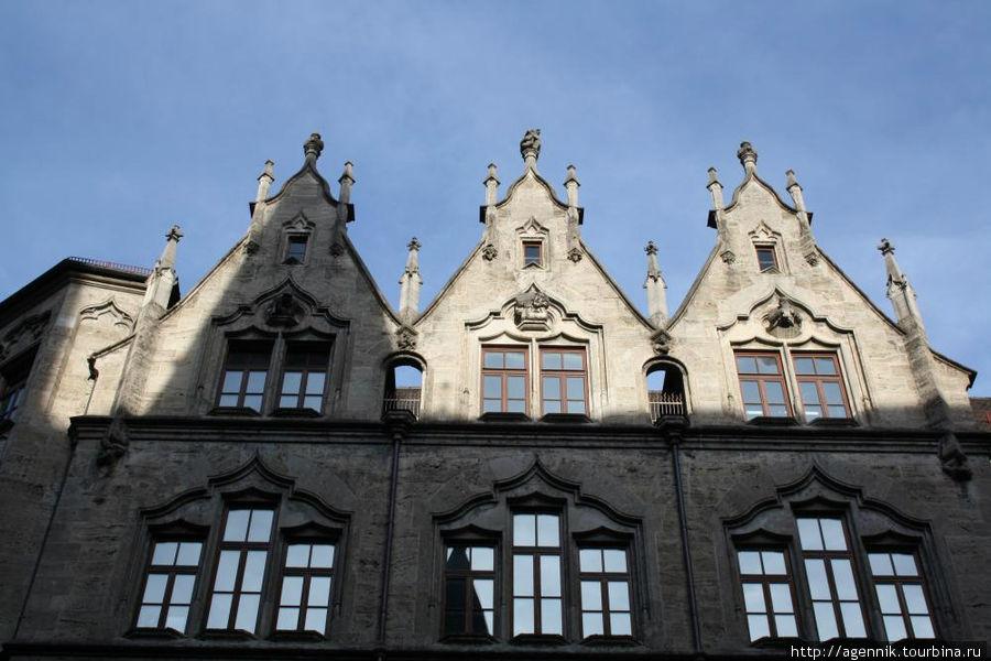Верхняя часть здания