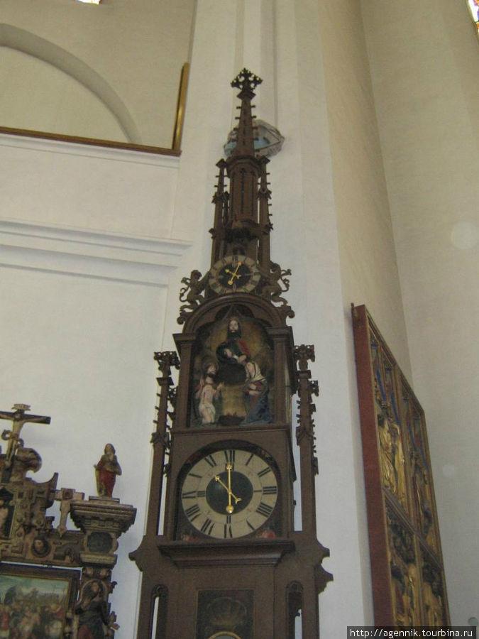 Часы — они отмеряли время богослужений