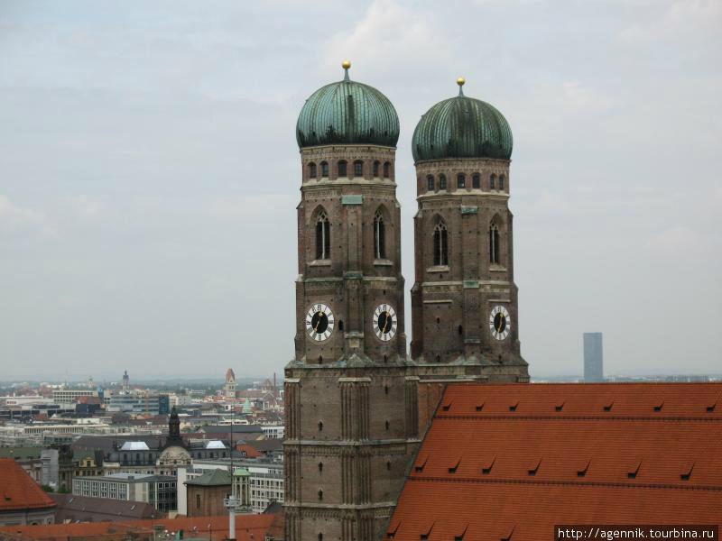Башни накрыли куполами в 1525 году