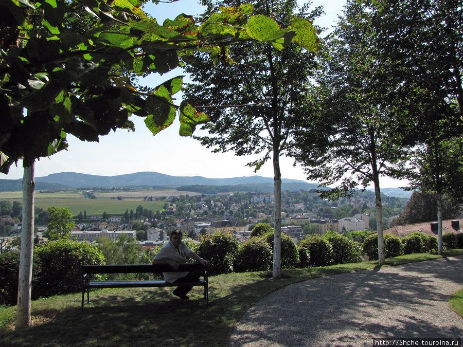 в парке монастыря, Мельк внизу