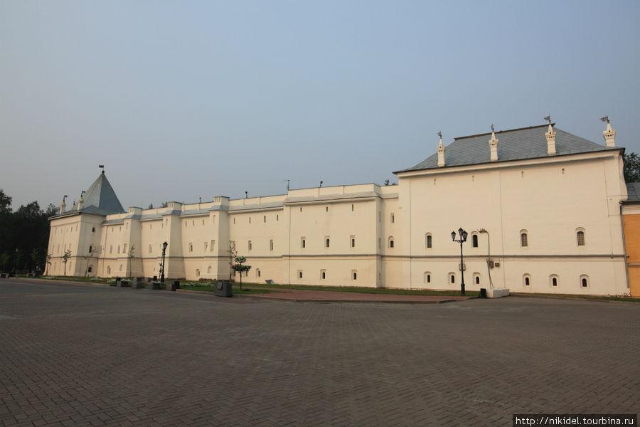 Архиерейское подворье, все что осталось от кремля