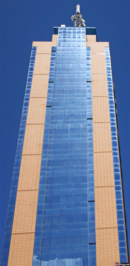 Самое высокое здание на Мальте вблизи