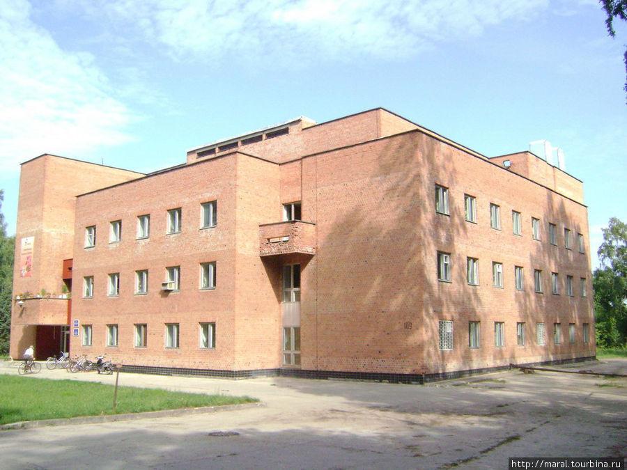 Административный корпус Института биологии внутренних вод РАН имени И.Д.Папанина