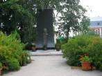 Памятник Воину Феодору Ушакову (адмиралу)