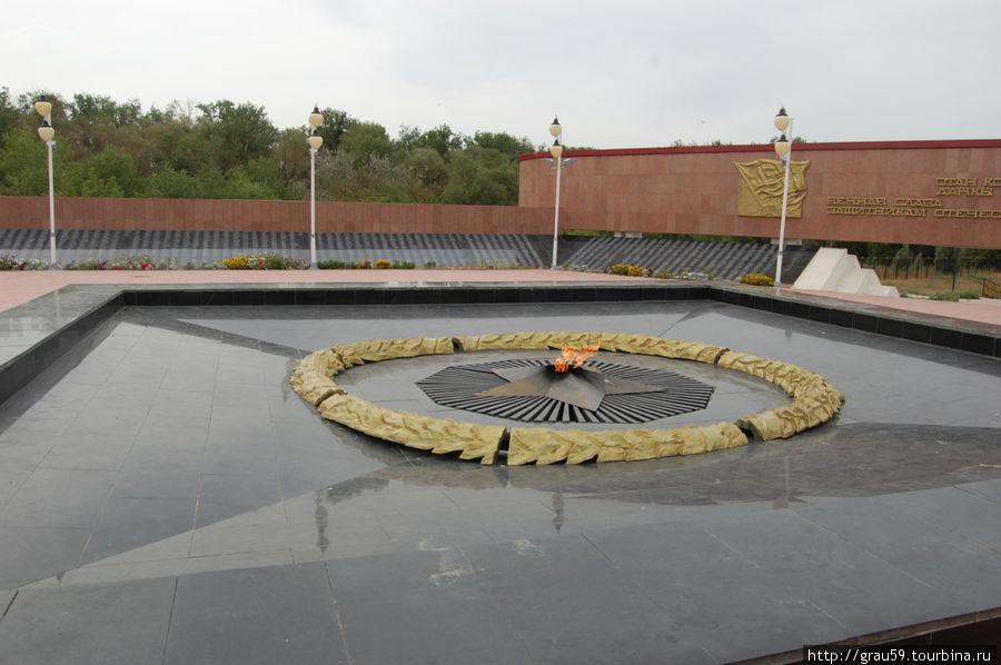Мемориальный комплекс на берегу реки Урал Уральск, Казахстан